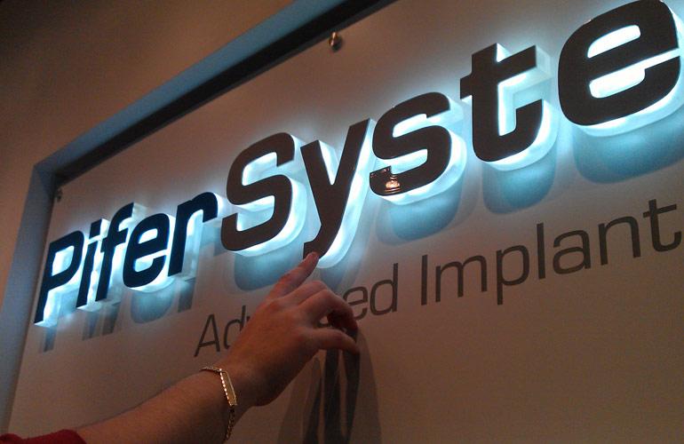 Letras corporeas Pifer System
