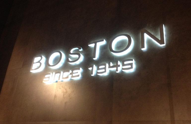 Letras corporeas Boston since 1945